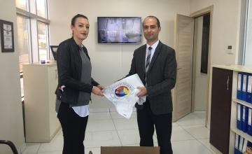 800 Öğrenciye Eşofman Yardımı Yapıldı